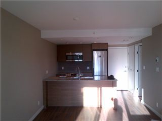 "Photo 3: # 317 135 E 17TH ST in North Vancouver: Central Lonsdale Condo for sale in ""Local"" : MLS®# V1022108"