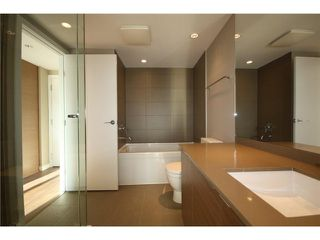 "Photo 8: # 317 135 E 17TH ST in North Vancouver: Central Lonsdale Condo for sale in ""Local"" : MLS®# V1022108"