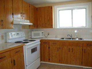 Photo 2: 915 BOYD Avenue in WINNIPEG: North End Residential for sale (North West Winnipeg)  : MLS®# 1319545