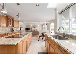 Photo 9: 1425 Inglewood Avenue in West Vancouver: Ambleside House for sale : MLS®# R2029659
