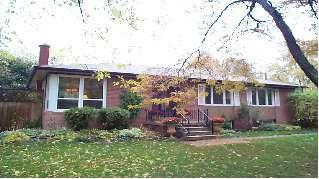 Photo 1: 1359 SEDGEWICK Cres in : 1017 - SW Southwest FRH for sale (Oakville)  : MLS®# OM0497133