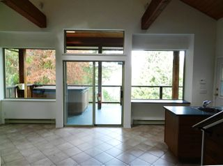 Photo 3: 10015 WESCAN ROAD in Halfmoon Bay: Halfmn Bay Secret Cv Redroofs House for sale (Sunshine Coast)  : MLS®# R2343392