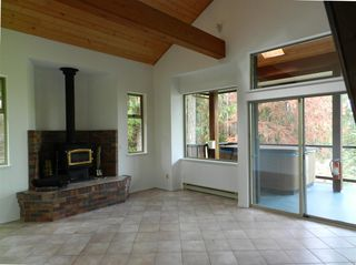 Photo 7: 10015 WESCAN ROAD in Halfmoon Bay: Halfmn Bay Secret Cv Redroofs House for sale (Sunshine Coast)  : MLS®# R2343392