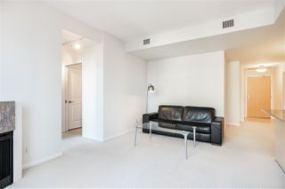 "Photo 2: 706 1211 MELVILLE Street in Vancouver: Coal Harbour Condo for sale in ""The Ritz"" (Vancouver West)  : MLS®# R2422768"
