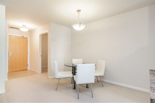 "Photo 11: 706 1211 MELVILLE Street in Vancouver: Coal Harbour Condo for sale in ""The Ritz"" (Vancouver West)  : MLS®# R2422768"