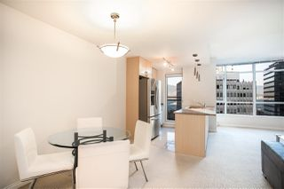 "Photo 10: 706 1211 MELVILLE Street in Vancouver: Coal Harbour Condo for sale in ""The Ritz"" (Vancouver West)  : MLS®# R2422768"