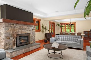 Photo 4: 4586 Stratford Rd in Saanich: SW Prospect Lake House for sale (Saanich West)  : MLS®# 842461