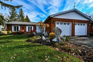 Photo 1: 5 Pinetree Court in Ramara: Brechin House (Bungalow) for sale : MLS®# S4974569