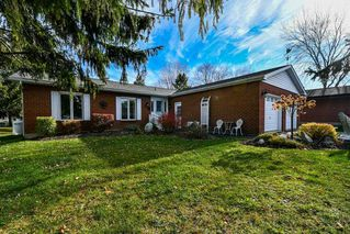 Photo 2: 5 Pinetree Court in Ramara: Brechin House (Bungalow) for sale : MLS®# S4974569