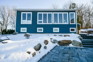 Photo 1: 72 Carriageway Court in Wolfville: 404-Kings County Residential for sale (Annapolis Valley)  : MLS®# 202100570