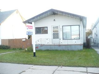 Photo 2: 964 MOUNTAIN AVE.: Residential for sale (North End)  : MLS®# 2919778