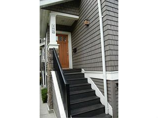 """Photo 2: 166 W 14TH AV in Vancouver: Mount Pleasant VW Townhouse for sale in """"Cambie Village"""" (Vancouver West)  : MLS®# V987260"""