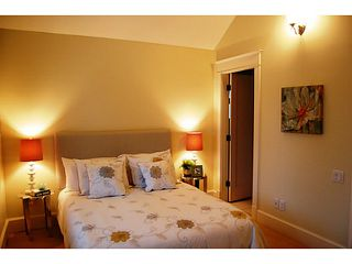"""Photo 7: 166 W 14TH AV in Vancouver: Mount Pleasant VW Townhouse for sale in """"Cambie Village"""" (Vancouver West)  : MLS®# V987260"""