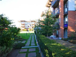 "Photo 9: 118 2250 WESBROOK Mall in Vancouver: University VW Condo for sale in ""CHAUCER HALL"" (Vancouver West)  : MLS®# V988551"