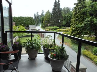 "Photo 11: # 301 15 E ROYAL AV in New Westminster: Fraserview NW Condo for sale in ""VICTORIA HILL HIGH RISES"" : MLS®# V989264"