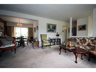 """Photo 3: 500 55TH Street in Tsawwassen: Pebble Hill House for sale in """"PEBBLE HILL"""" : MLS®# V1000254"""