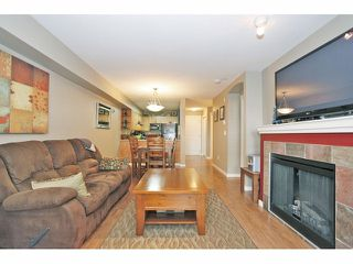 """Photo 11: 105 15621 MARINE Drive: White Rock Condo for sale in """"Pacific Point"""" (South Surrey White Rock)  : MLS®# F1320279"""