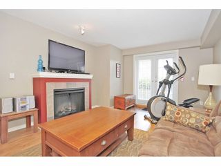 """Photo 10: 105 15621 MARINE Drive: White Rock Condo for sale in """"Pacific Point"""" (South Surrey White Rock)  : MLS®# F1320279"""