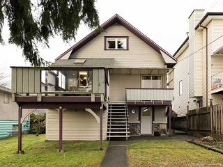 Photo 15: 457 E 11TH ST in North Vancouver: Central Lonsdale House for sale : MLS®# V1042227