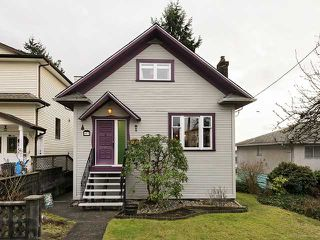 Photo 1: 457 E 11TH ST in North Vancouver: Central Lonsdale House for sale : MLS®# V1042227