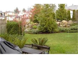 Photo 7:  in VICTORIA: VR Glentana Row/Townhouse for sale (View Royal)  : MLS®# 385472