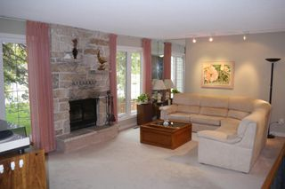 Photo 3: 158 Lake Grove Bay in Winnipeg: Waverley Heights Single Family Detached for sale (South Winnipeg)  : MLS®# 1423298