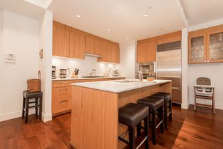 Photo 8: 105 1675 W 8TH AVENUE in Vancouver: Fairview VW Townhouse for sale (Vancouver West)  : MLS®# R2010745
