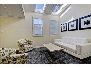 Photo 11: 309 28 AV NE in Calgary: Tuxedo Park House for sale : MLS®# C4066138