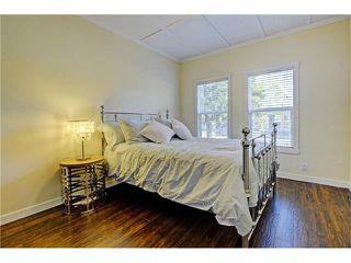 Photo 17: 309 28 AV NE in Calgary: Tuxedo Park House for sale : MLS®# C4066138