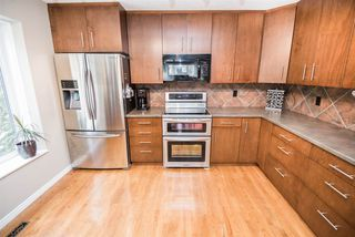 Photo 11: 216 WAYGOOD Road in Edmonton: Zone 22 House for sale : MLS®# E4168750