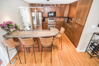 Photo 9: 216 WAYGOOD Road in Edmonton: Zone 22 House for sale : MLS®# E4168750