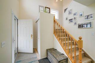 Photo 2: 4023 37 Avenue in Edmonton: Zone 29 House for sale : MLS®# E4172069