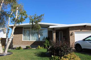 Photo 1: 2519 104 Street in Edmonton: Zone 16 House for sale : MLS®# E4174307