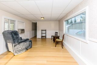 """Photo 6: 26 21163 LOUGHEED Highway in Maple Ridge: Southwest Maple Ridge Manufactured Home for sale in """"VAL MARIA"""" : MLS®# R2408207"""