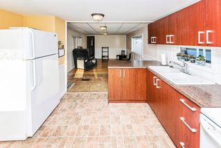 """Photo 4: 26 21163 LOUGHEED Highway in Maple Ridge: Southwest Maple Ridge Manufactured Home for sale in """"VAL MARIA"""" : MLS®# R2408207"""