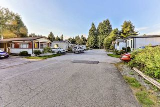 """Photo 12: 26 21163 LOUGHEED Highway in Maple Ridge: Southwest Maple Ridge Manufactured Home for sale in """"VAL MARIA"""" : MLS®# R2408207"""