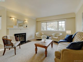 Photo 2: 1559 Westall Ave in VICTORIA: Vi Oaklands House for sale (Victoria)  : MLS®# 828573