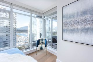 Photo 10: 2002 1205 W HASTINGS STREET in Vancouver: Coal Harbour Condo for sale (Vancouver West)  : MLS®# R2415723