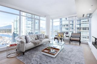 Photo 1: 2002 1205 W HASTINGS STREET in Vancouver: Coal Harbour Condo for sale (Vancouver West)  : MLS®# R2415723