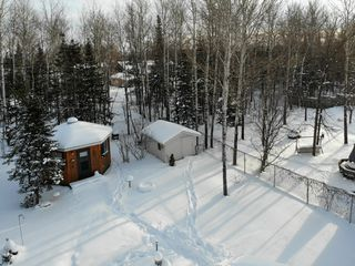 Photo 3: 38 Cameron Road in Pinawa: R18 Residential for sale : MLS®# 202001664