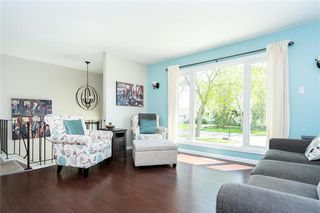 Photo 2: 77 Inwood Crescent in Winnipeg: Crestview Residential for sale (5H)  : MLS®# 202010813