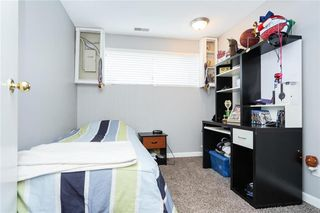 Photo 12: 77 Inwood Crescent in Winnipeg: Crestview Residential for sale (5H)  : MLS®# 202010813