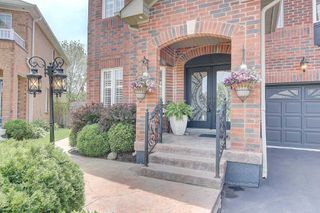 Photo 2: 139 Penndutch Circle in Whitchurch-Stouffville: Stouffville House (2-Storey) for sale : MLS®# N4779733