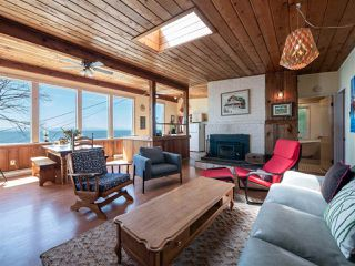 "Photo 7: 1968 OCEAN BEACH Esplanade in Gibsons: Gibsons & Area House for sale in ""BONNIEBROOK BEACH"" (Sunshine Coast)  : MLS®# R2480476"