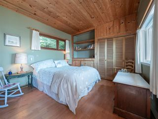 "Photo 14: 1968 OCEAN BEACH Esplanade in Gibsons: Gibsons & Area House for sale in ""BONNIEBROOK BEACH"" (Sunshine Coast)  : MLS®# R2480476"