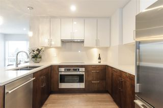 """Photo 2: 985 W 70TH Avenue in Vancouver: Marpole Townhouse for sale in """"Shaughnessy Gate"""" (Vancouver West)  : MLS®# R2484292"""