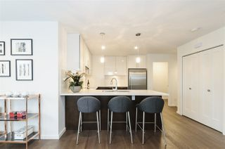 """Photo 4: 985 W 70TH Avenue in Vancouver: Marpole Townhouse for sale in """"Shaughnessy Gate"""" (Vancouver West)  : MLS®# R2484292"""