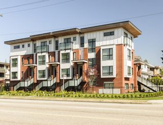 """Photo 33: 985 W 70TH Avenue in Vancouver: Marpole Townhouse for sale in """"Shaughnessy Gate"""" (Vancouver West)  : MLS®# R2484292"""