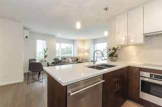 """Photo 3: 985 W 70TH Avenue in Vancouver: Marpole Townhouse for sale in """"Shaughnessy Gate"""" (Vancouver West)  : MLS®# R2484292"""