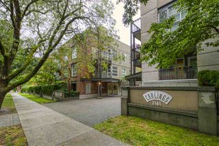 "Photo 1: 404 2161 W 12TH Avenue in Vancouver: Kitsilano Condo for sale in ""THE CARLINGS"" (Vancouver West)  : MLS®# R2502485"